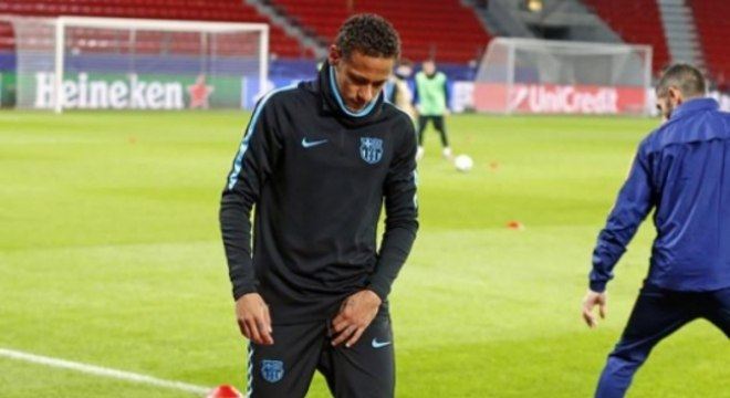 Neymar sofreu lesão na coxa no Barcelona