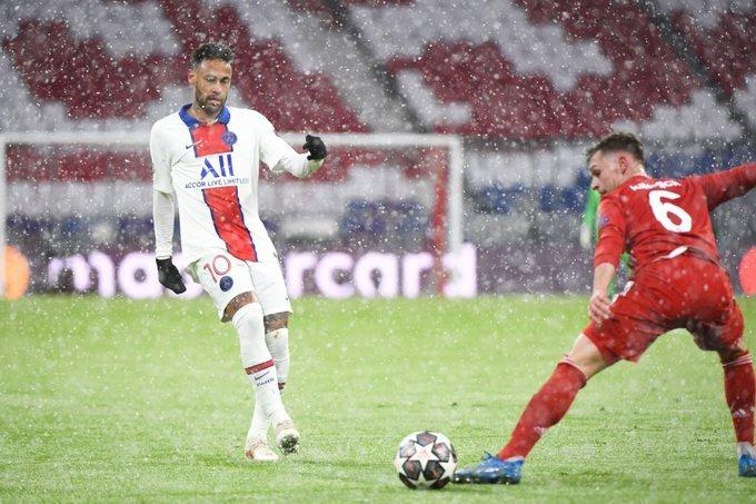Neve, na Alemanha, não impediu duas excelentes assistências do brasileiro
