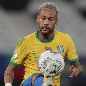 Neymar é destaque brasileiro