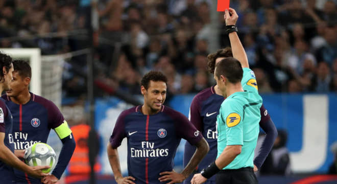Neymar criou uma série de problemas para ele mesmo. PSG prejudicado