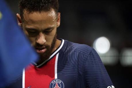 Neymar tem vínculo com o PSG até 2022