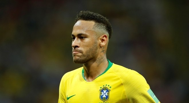 Neymar deseja sorte para os amigos Rakitic e Mbappé, finalistas da Copa