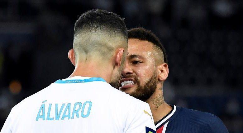 Neymar assumiu o orgulho de sua ascendência negra. Como tinha de fazer. Há anos