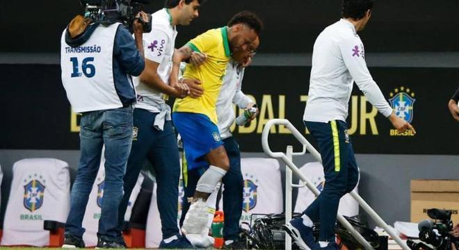 Neymar, mais uma contusão no pé direito