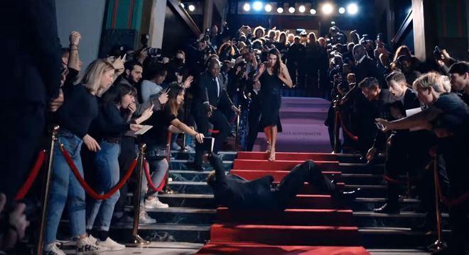 Neymar rolando pelas escadas na propaganda. Quem ri desta tosca ironia?