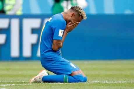 Neymar chorou ao final da partida contra a Costa Rica