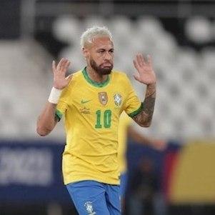 Neymar foi elogiado por Tostão