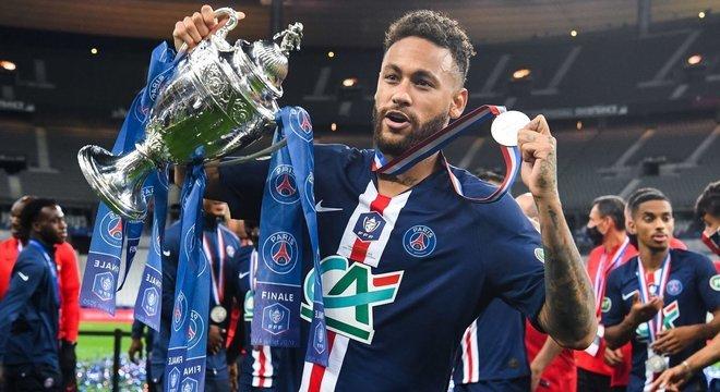 Sétimo título de Neymar no PSG.  O sonhado é o da Champions League