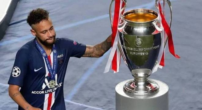 Neymar ressurgiu. Mas perder a decisão da Champions pesará a favor de Lewandowski