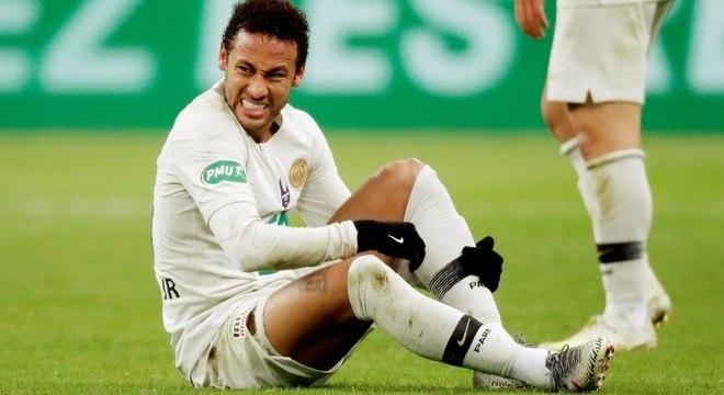 Neymar fez um dos gols no empate em 2 a 2 e marcou nas cobranças de pênaltis