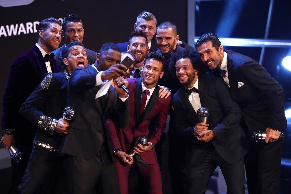 O máximo que Neymar chegou foi ao terceiro lugar. Em 2015 e 2017