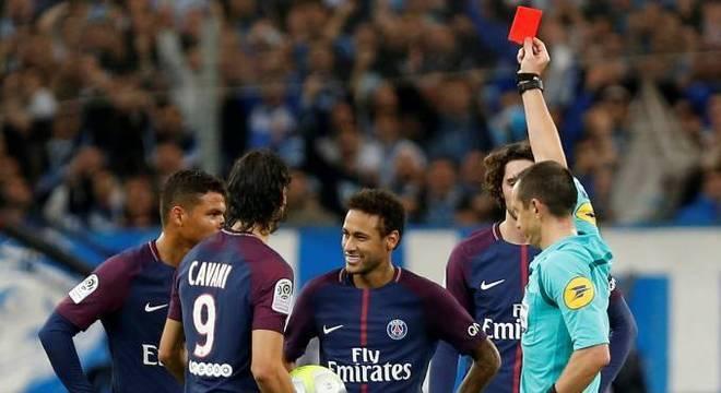Neymar não tem perfil de líder. Seus companheiros de PSG já sabem