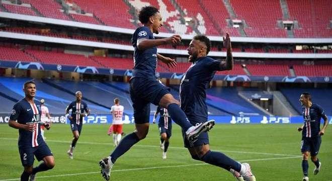 Neymar. Vice campeão da Champions, com o PSG. Nada de celebração com a Nike