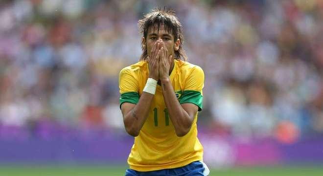 Neymar foi decepcionante na final em Londres. Derrota custou a saída de Mano