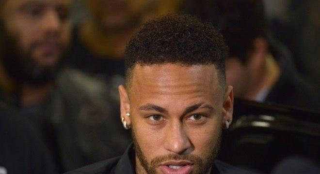 Neymar está sendo acusado de estupro por Najila Trindade