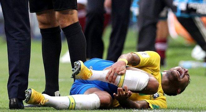Neymar virou piada por suas simulações. Péssima imagem para os patrocinadores