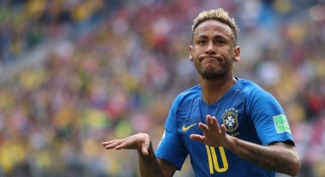 Neymar humilhando a Costa Rica. E sumiu na eliminação contra a Bélgica