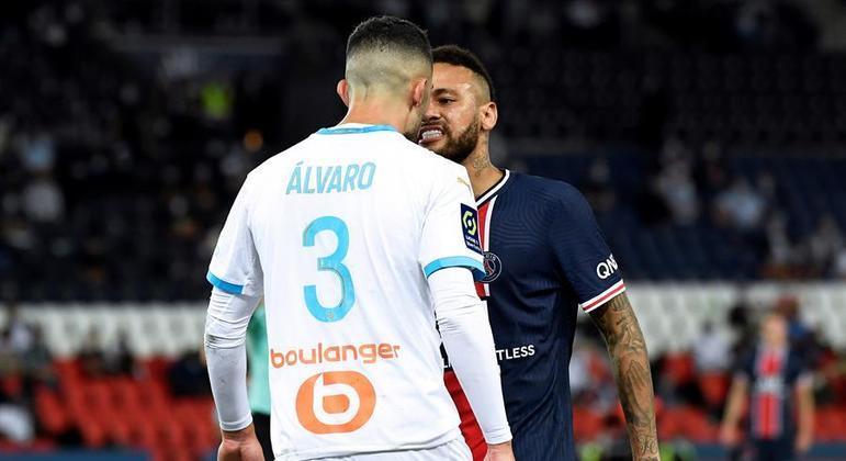 Neymar perde prestígio e credibilidade com um jogador irrelevante como Álvaro González