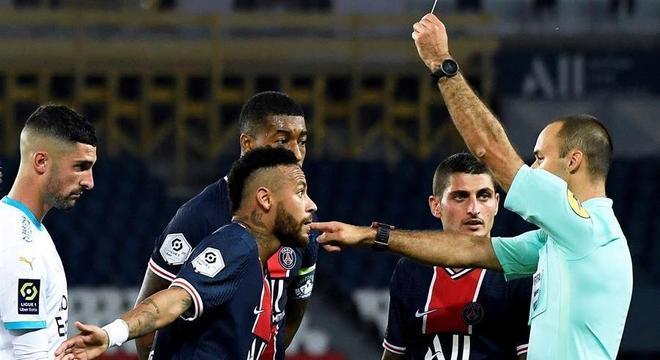 Neymar foi julgado pela expulsão na confusão com zagueiro Álvaro González