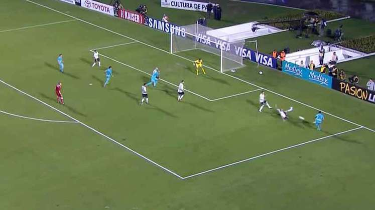 Neymar apareceu e fez o gol santistas na partida. Contudo, Danilo aproveitou cruzamento de Alex, levando o Timão para a decisão contra o Boca Juniors. Na final, o Timão prevaleceu e foi campeão pela primeira vez da Libertadores.