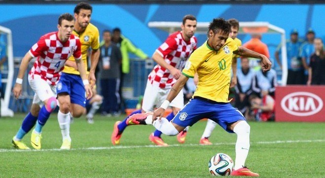 Neymar (duas vezes) e Oscar fizeram gols do Brasil na última vitória sobre Croácia