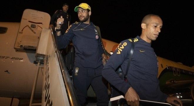 Neymar na chegada da seleção à Brasília