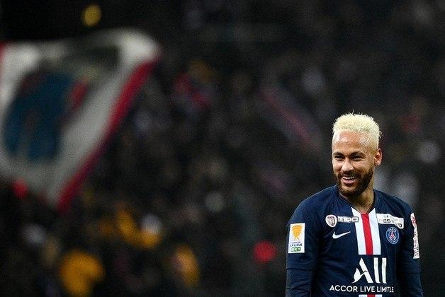 Neymar chegou ao Paris Saint-Germain na temporada 17/18. O camisa 10 soma 80 jogos, 69 gols e 39 assistências pelo clube francês. São 7 títulos na equipe.