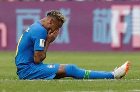 Neymar chorou no fim do jogo contra Costa Rica