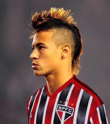 Neymar com a camisa do São Paulo