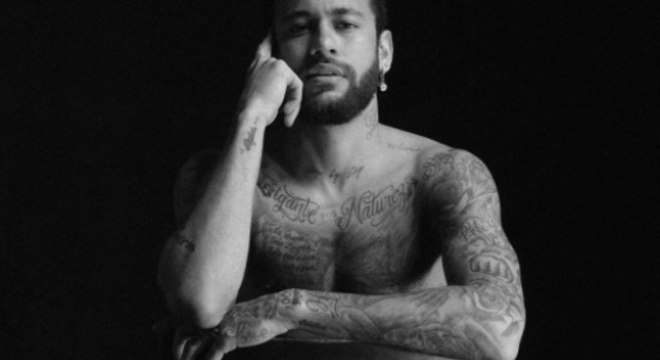 Neymar posou para campanha de roupa íntima