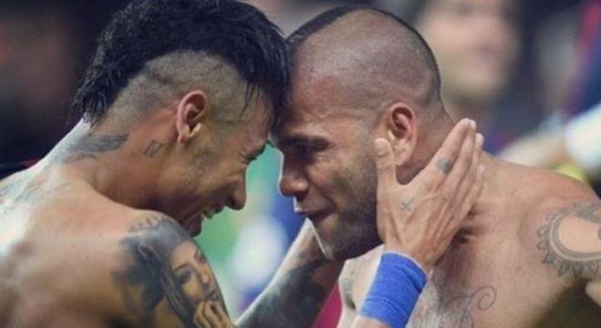 A amizade e a confiança entre Neymar e Daniel Alves é enorme. São grandes parceiros