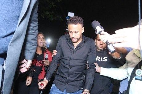 Seis em cada dez brasileiros acreditam na inocência de Neymar