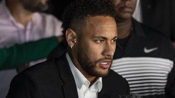 __Neymar tem bens bloqueados pela Justiça por processo de sonegação__ (Edu Garcia/R7 - 13/6/2019)