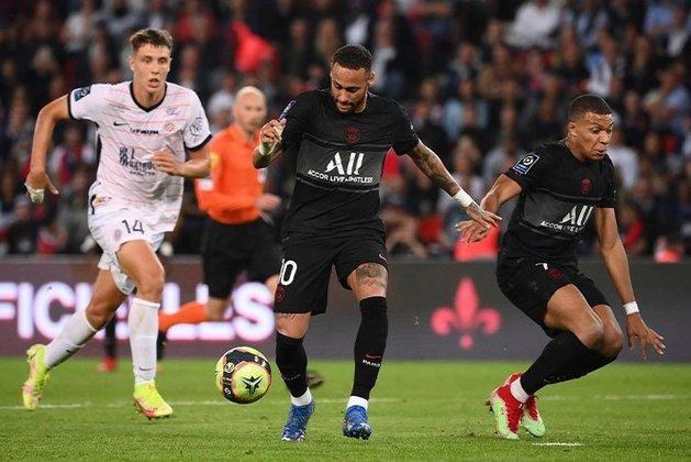 Neymar: deu o passe para o gol de Draxler, que ampliou o placar para 2 a 0 na partida entre PSG e Montpellier. Além da assistência, o craque também protagonizou muitos lances plásticos.