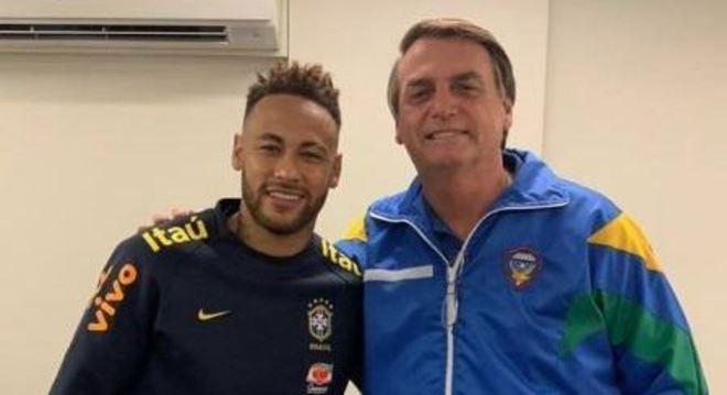 Bolsonaro e Neymar, em encontro após a partida contra o Qatar