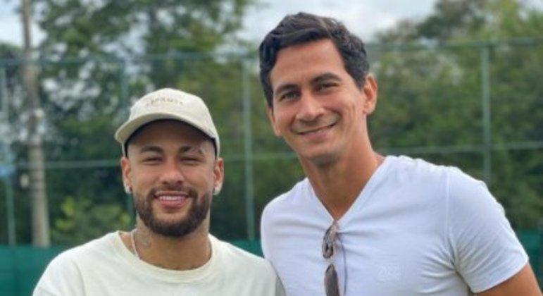 Neymar e Ganso se encontraram ontem no Rio. A diferença nas carreiras é gritante