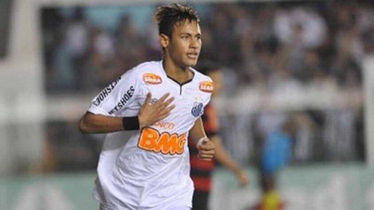 Neymar, em 2011: Com apenas 19 anos, Ney passou o Carnaval em Salvador ao lado dos pais. Ele permaneceu por lá apenas três dias e depois retomou os treinos no Santos. Um dos destaques da passagem do atacante foi a dança da Liga da Justiça