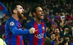 Barcelona 6 x 1 PSG - Liga dos Campeões (08/03/2017)Em confronto válido pelas oitavas de final da Liga dos Campeões 2016/2017, o PSG havia batido o Barcelona por 4 a 0, na partida de ida, o que tornava a volta uma missão quase impossível para o os catalães reverterem no jogo no Camp Nou. Mas essas missões se tornam mais fáceis com Messi, Suárez e Neymar jogando a seu favor. E a virada heroica e histórica aconteceu.O Barça venceu o time francês por 6 a 1, sendo que aos 43 minutos do segundo tempo o placar apontava 3 a 1 para os espanhóis, insuficiente para a classificação, que exigia mais três. Foi aí que brilhou a estrela de Neymar, marcando belo gol em cobrança de falta e, aos 46, mais um em cobrança de pênalti, recolocando o time no jogo. Aos 50, Sergi Roberto balançou a rede para determinar a vaga nas quartas de final, que parecia perdida