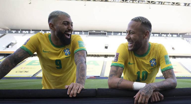 """Gabigol """"convida"""" Neymar para jogar no Flamengo e camisa 10 responde: """"Já pensou?"""""""