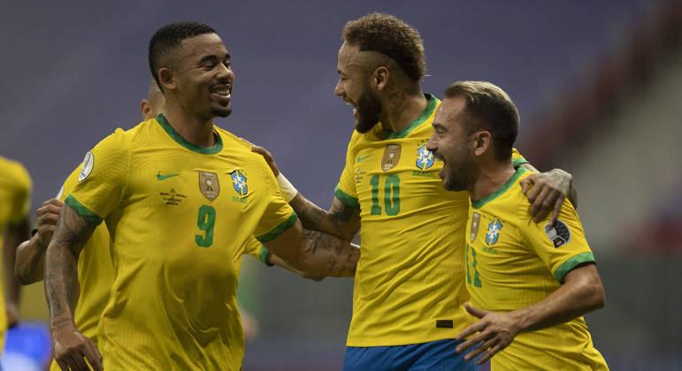 Neymar e Gabriel Jesus devem ser titulares contra o Uruguai