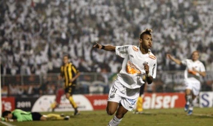 Neymar: Maior talento brasileiro no futebol atual, Neymar explodiu em seu início de carreira pelo Santos, assim sendo coroado como possível sucessor de Pelé no clube santista. Foi protagonista em conquistas recentes do Peixe, sendo a Libertadores de 2011 a principal delas