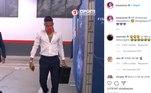 A cantora Luísa Sonza publicou uma cena do jogador chegando ao estádio para a partida entre PSG e Leipzig (ALE), pela semifinal da Liga dos Campeões onde Ney aparece escutando uma música dela e agradeceu o carinho.Aff, Neymar, maravilhoso! Obrigada - escreveu a cantora (veja acima) que lançou a canção 'Toma' em parceria com MC Zaac O jogador comentou dizendo que 'só falta a dança'