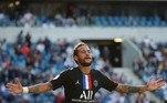 Quando Neymar Jr saiu do Barcelona rumo à Paris, seus objetivos eram claros: conquistar uma Liga dos Campeões e ser eleito o melhor jogador do planeta. Tendo um time para chamar de 'seu', o brasileiro cometeu diversos deslizes, tentou forçar saídas do time francês e criou atritos com torcedores, no entanto, uma nova versão do craque brasileiro surgiu nos últimos anos. Mais maduro, e com menos lesões, Neymar se comprometeu de fato com o PSG e até levou a equipe a uma final de Champions