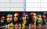 Mas, às vezes Neymar acerta também. Como é o caso do belo mural de jogadores históricos do basquete americano, que o craque ostenta em sua quadra de basquete pessoalLeia mais:Festa na pandemia é mais um infeliz capítulo na vida de Ronaldinho