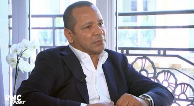 Pai de Neymar cuida diretamente da carreira do filho