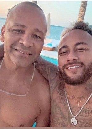 Pai de Neymar sai em defesa do filho, após mais uma lesão