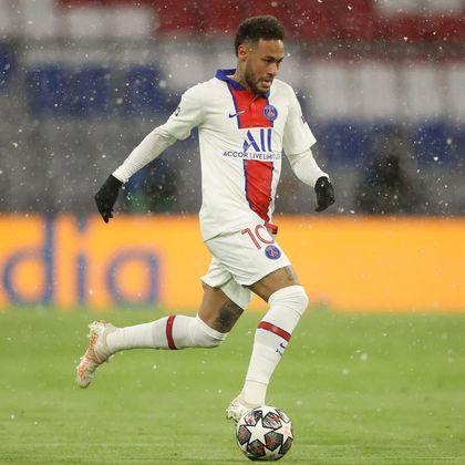Neymar Jr, camisa 10 do PSG, deu duas assistências no embate contra o Bayern de Munique e foi muito importante para a vitória do clube parisiense no jogo de ida em Munique