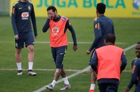 Neymar está pressionado por acusações