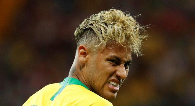Brasil apenas empatou na estréia com a Suíça