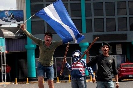 Protestos deixaram ao menos oito mortos